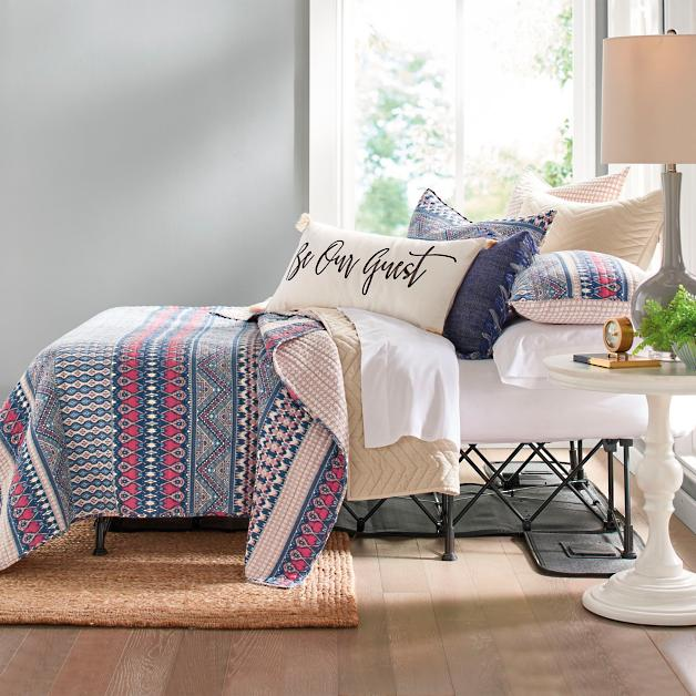 Functional, comfortable and easy guest sleeping on the SertaEZ bed in guest room